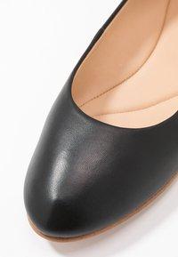 Clarks - GRACE PIPER - Ballerine - black - 2