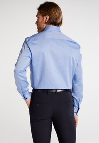 Eterna - REGULAR FIT - Formal shirt - mittelblau - 2