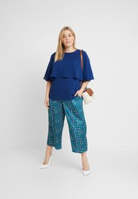 CAPSULE by Simply Be - OVERLAY - Blouse - navy - 1