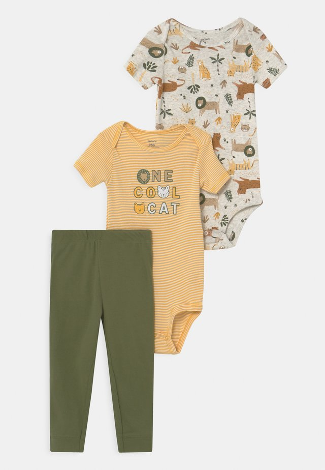 SAFARI CAT SET - Print T-shirt - yellow/khaki