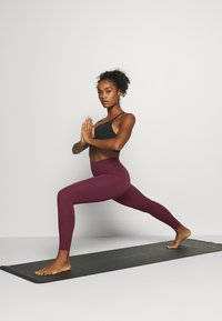 Nike Performance - THE YOGA LUXE - Legging - night maroon/team red - 1