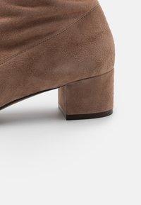 L'Autre Chose - BOOT ZIP - Stivali sopra il ginocchio - nude - 4
