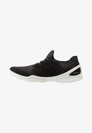 BIOM STREET - Sportieve wandelschoenen - black