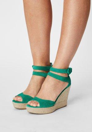 MEIARA - Platform sandals - vert