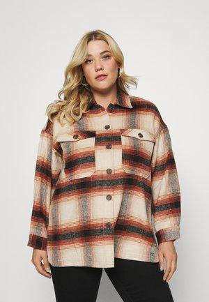 PCCARLENE SHACKET - Short coat - aragon