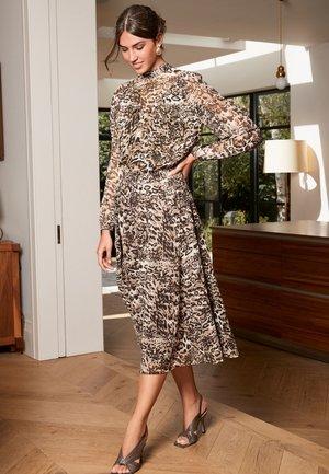 YOKE DETAIL - Cocktail dress / Party dress - brown