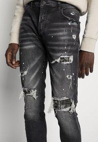 Alessandro Zavetti - DAMIANO - Jeans slim fit - black wash - 4