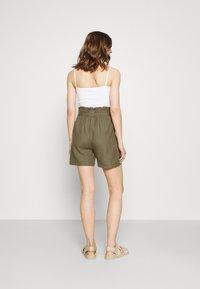 ONLY - ONLSMILLA VIVA LIFE LONG BELT  - Shorts - covert green - 2