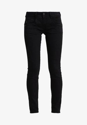 GILA SLIM - Slim fit jeans - tempest