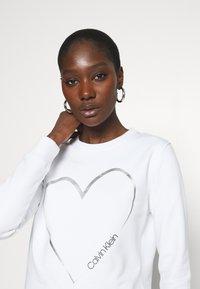 Calvin Klein - VALENTINES CREW NECK - Sweatshirt - bright white - 3