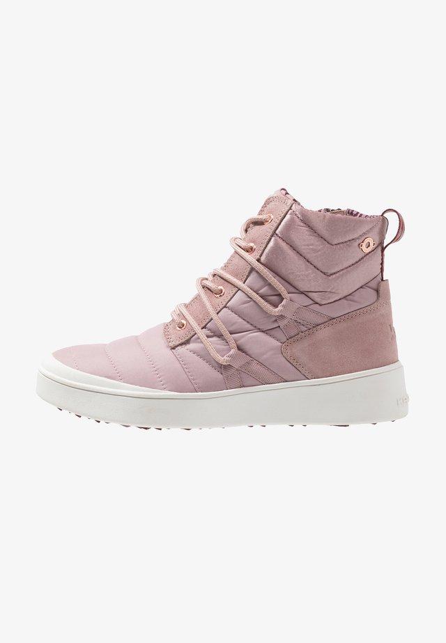 TRIPP - Hiking shoes - petal