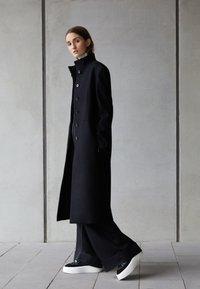 MM6 Maison Margiela - COAT - Classic coat - black - 2