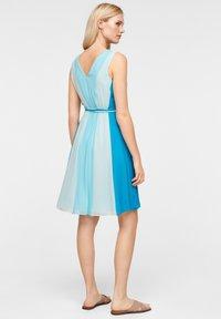 comma - MIT FARBVERLAUF - Day dress - turquoise - 2