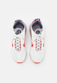 Nike Sportswear - AIR MAX 2090 - Trainers - summit white/chile red/cement grey/thunder blue/white - 3