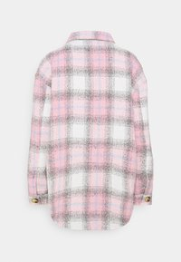 Missguided Petite - OVERSIZED CHECK SHACKET - Short coat - pink - 1