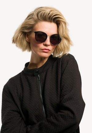 Sonnenbrille - schwarz-silber