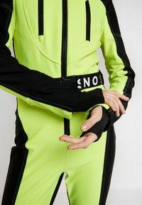 Topshop - SNO NEON STAR - Haalari - yellow - 5