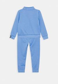 Nike Sportswear - HERITAGE SET - Hoodie met rits - royal pulse - 1