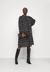 Résumé - CORA DRESS - Shirt dress - black - 1