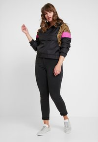 Urban Classics - LADIES MIXED PULL OVER JACKET - Overgangsjakker - black - 1