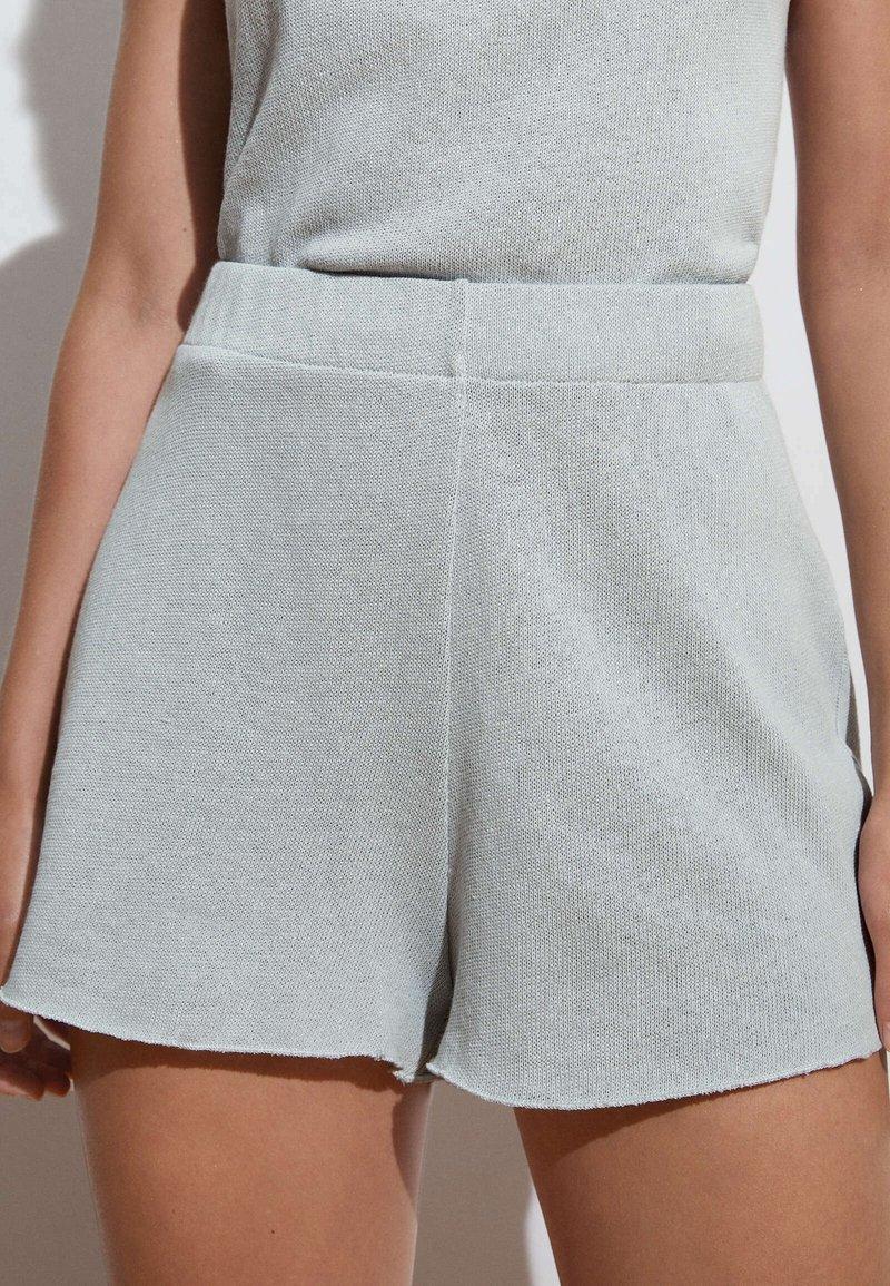 OYSHO - Shorts - light blue
