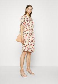 Soaked in Luxury - SLRAFINA DRESS - Kjole - multicoloured - 1