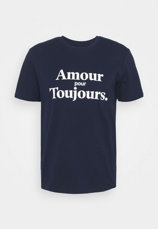 AMOUR POUR TOUJOURS UNISEX - Print T-shirt - navy/white
