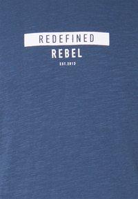 Redefined Rebel - GUTI TEE - Långärmad tröja - dark denim - 7