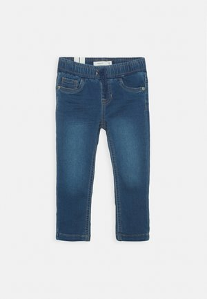 NMMROBIN DNMTHAYERS PANT - Džíny Slim Fit - medium blue denim