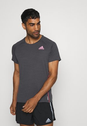 ADI RUNNER TEE - Camiseta estampada - dark grey solar grey