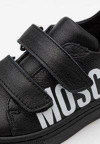 MOSCHINO - UNISEX - Sneakers - black - 5