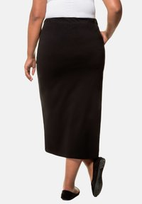 Ulla Popken - Pencil skirt - black - 1