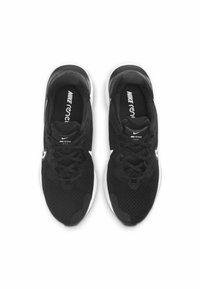 Nike Performance - RENEW RUN 2 - Neutrala löparskor - black/dark smoke grey/white - 1
