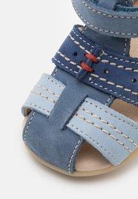 Kickers - BIGBAZAR - Sandals - beige/jaune/marine - 5