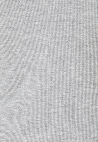 Zign - Top - mottled light grey - 6