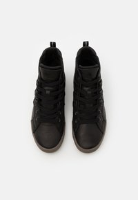 Sorel - CARIBOU MID WP - Zapatillas altas - black - 3