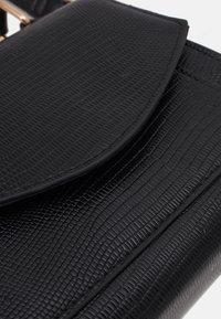 Pieces - PCGAIGA MINI CROSS BODY - Handbag - black - 4