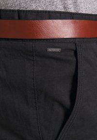 INDICODE JEANS - GOVER - Chino kalhoty - black - 4