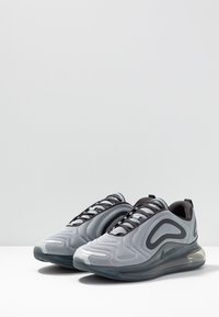 Nike Sportswear - AIR MAX 720 - Trainers - wolf grey/anthracite - 2
