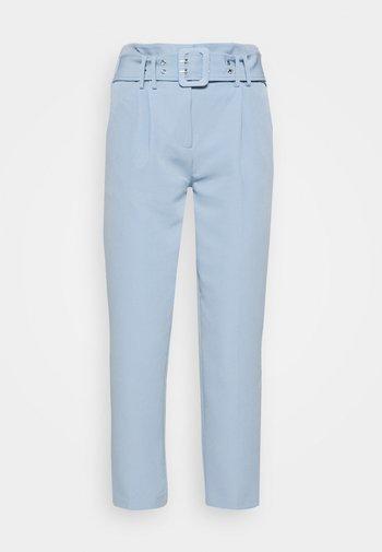BELTED LEG TROUSER - Trousers - cornflower