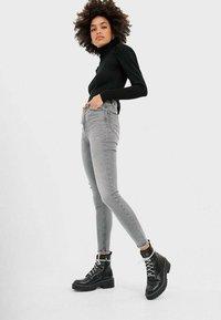 Stradivarius - 01450400 - Jeans Skinny Fit - grey - 1
