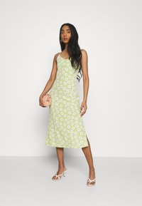 Glamorous - CARE MIDI DRESSES WITH NARROW STRAPS AND SIDE SPLIT - Day dress - green - 1