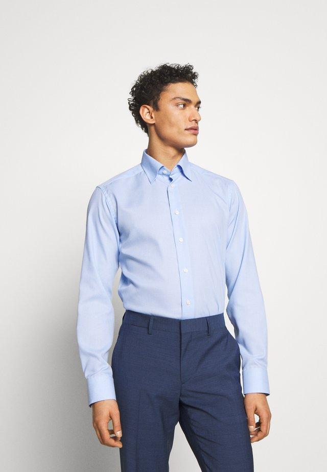 SLIM FIT - Formal shirt - light blue