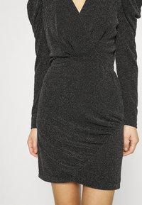 Second Female - CRAWFORD DRESS - Koktejlové šaty/ šaty na párty - black - 5