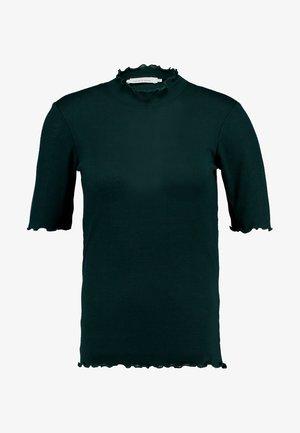 NELLI - Print T-shirt - scarab