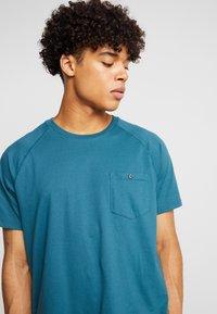 Burton Menswear London - SADDLE SLEEVE TEE - Basic T-shirt - teal - 4