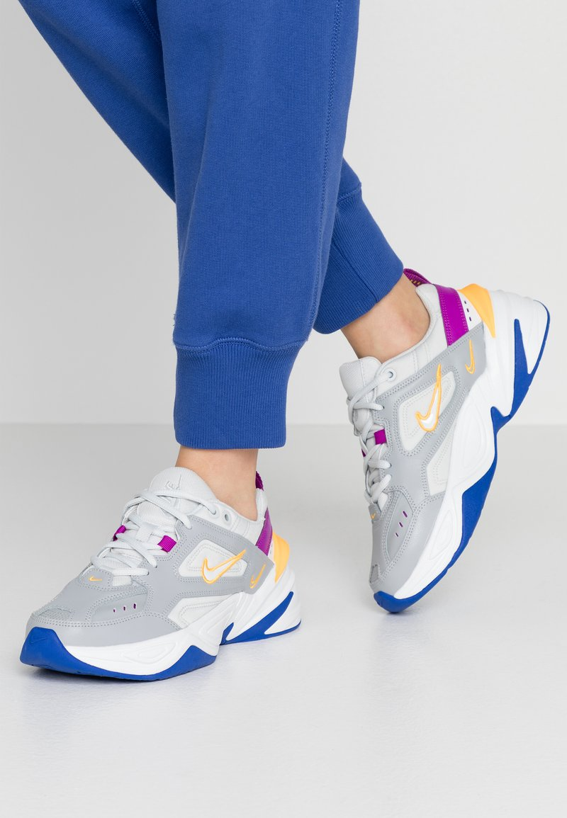 Nike Sportswear - M2K TEKNO - Sneakersy niskie - light smoke grey/photon dust/vivid purple/laser orange/hyper blue/summit white