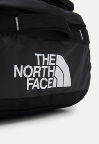 The North Face - BASE CAMP VOYAGER DUFFEL UNISEX - Rugzak - black/white - 6