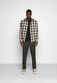 Abercrombie & Fitch - ICON CREW - Sweatshirt - black - 1
