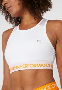 Calvin Klein Performance - MEDIUM SUPPORT BRA - Sports bra - white - 4